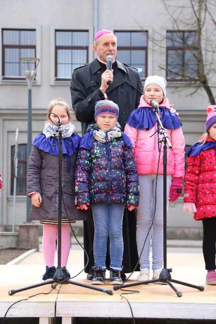 Šiaulių kultūros centro nuotrauka iš https://miestonaujienos.lt/smagiausios-vaiku-velykeles-siauliuose/